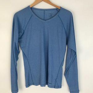 Patagonia V neck light layer long sleeve shirt L
